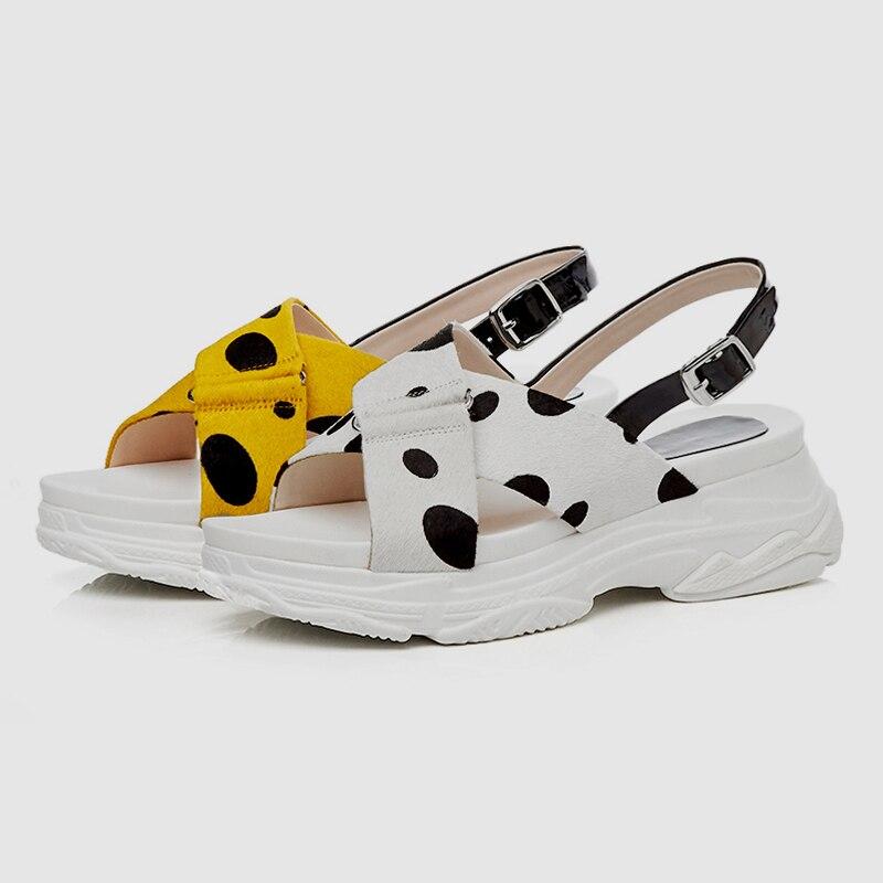 DoraTasia 2019 جديد الحلو المرأة الصيف بقعة الصنادل فتاة الصيف السبيب أحذية منصة امرأة عارضة الشاطئ أسافين الأحذية امرأة-في الكعب المتوسط من أحذية على  مجموعة 3