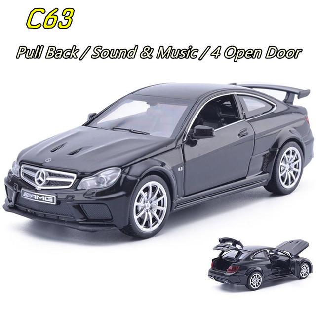 1:32 C63 Fast & Furious 7 Modelos de Aleación de Coche Juguetes Tirón Back Light & Music Diecast Metal de Coches Clásicos Juguetes Para Los Niños Regalos juguete