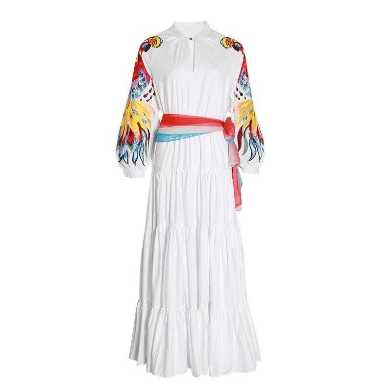 2019 Boho haut de gamme conception de piste femmes Maxi robe blanche Phoenix broderie o-cou pleine lanterne manches à lacets dame balançoire robe