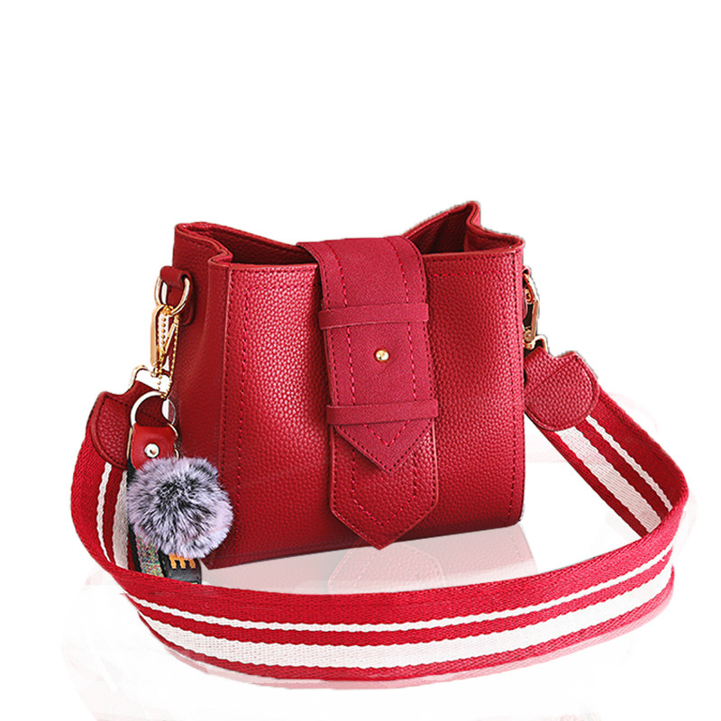 Retro Small 2018 New Pu Leather Style lady Wide Strap Bucket Shoulder Bag Fur Ball Female Messenger Bag Cross Body Bags
