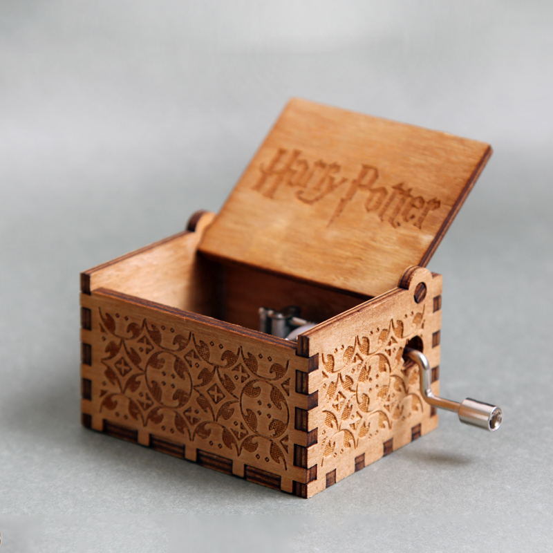 2018 Hot Antique Carved Harry Potter Music Box Game of Thrones Music Box Star Wars Wooden Hand Crank Theme Music Caixa De Musica