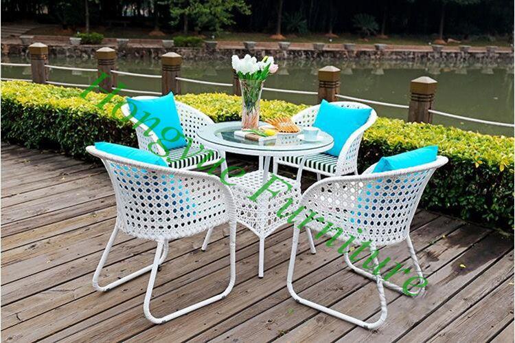 2016 new designs white rattan table chair 4+1 set furniture sale modern design white holiday leisure sofa chair rattan sea beach swing pool gardern furniture wicket 1 table 4 chair garden set