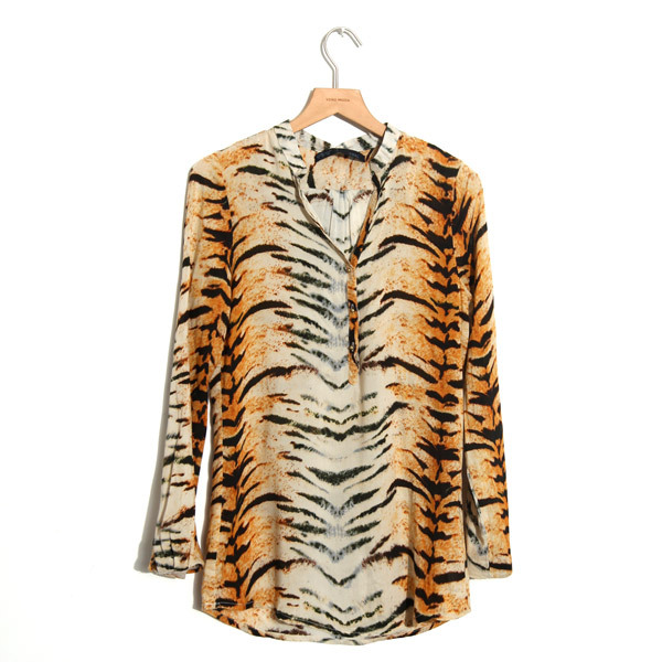 b4de412eb133b4 Fashion Women Clothes Tiger Stripes Shirts Gold Buckle Long Sleeve Cotton  Blouse Blusas Femininas-in Blouses & Shirts from Women's Clothing on ...