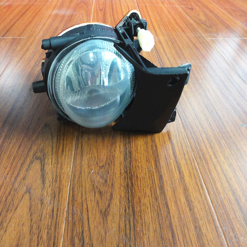 1Pcs LH 63176900221 OEM Front Fog Light Driving Fog Light Without Bulbs For BMW 5 Series E39 2001-2003