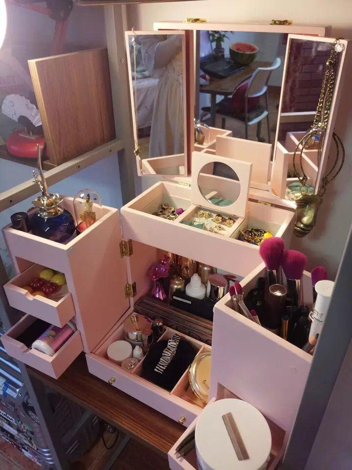 White pink Hot hand dresser with mirror makeup cassette