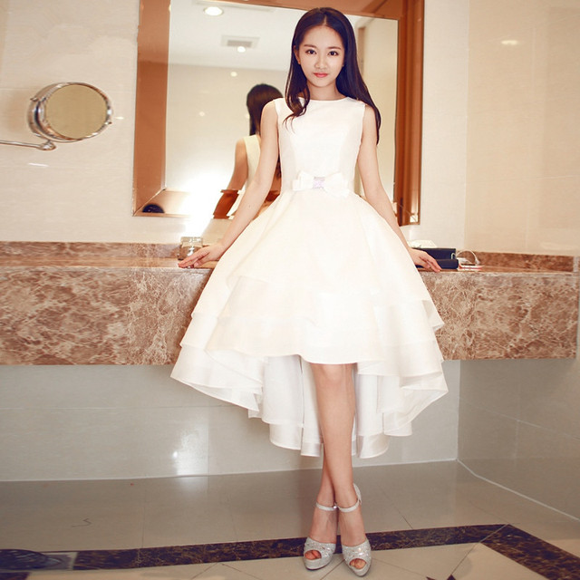 Disesuaikan Satin Putih Gaun Prom Pendek Rendah Kembali Panjang