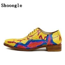 SHOOEGLE Одежда высшего качества Для мужчин Роскошные ручной работы Вечерние модельные туфли из кожи питона кожа печать на шнуровке свадебные туфли Мужская обувь