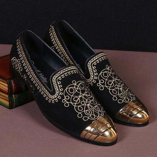 Casual Gold Embroidery Flat Shoes Men Loafers Gold Round Toe Sapato Masculino 2017 High Quality Black Genuine Leather Mens Shoes hot sale mens italian style flat shoes genuine leather handmade men casual flats top quality oxford shoes men leather shoes