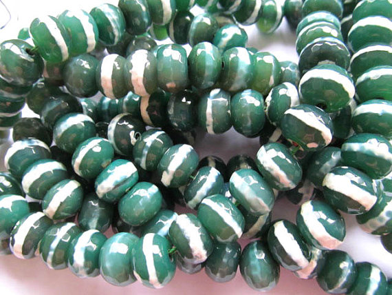 wholesale gergous natural agate bead rondelle abacus facetd green white veins assortment beads 12x16mm --5strands 16inch 5strands 5x10mm high quality genuine agate rondelle abacus white black loose beads