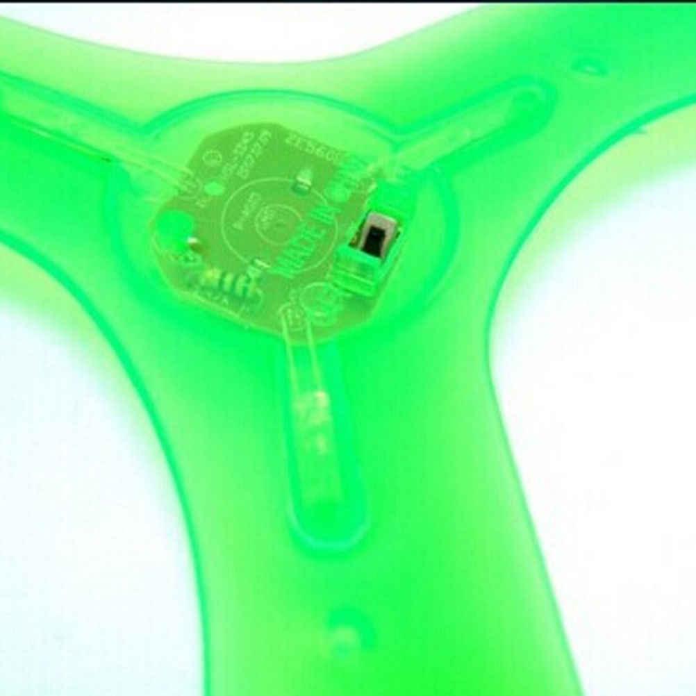1 قطعة Boomerangs الصحن القرص LED مضيئة فلاش تضيء لعبة طائرة أطفال اللعب في الهواء الطلق لون عشوائي