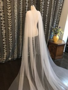 Image 2 - 2019 Tulle Cape Veil 3 meters Long Wedding Bridal Shoulder Veil White / Ivory CV98