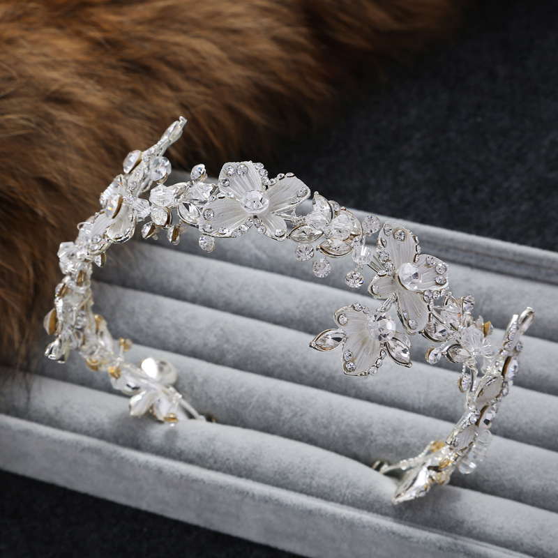 handcrafted jewelry new bridal hairbands women ornaments bridal tiara rhinestone silver hair accessories Wedding Accessorieshandcrafted jewelry new bridal hairbands women ornaments bridal tiara rhinestone silver hair accessories Wedding Accessories