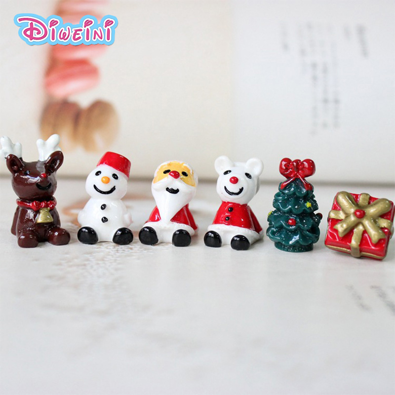 Christmas Sitting Character Models Cartoon Tree Sant Gift figures ...