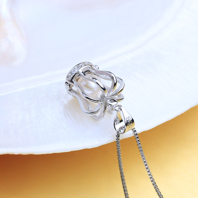 Women's Crown Pendant Necklace with Natural Freshwater Pearl