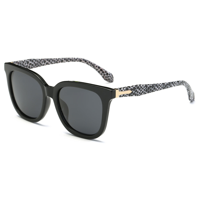Simvey 2017 Mode À La Mode Grand Cadre Ploarized lunettes de Soleil Femmes  Hommes Carré Noir 730fc95bc5e6