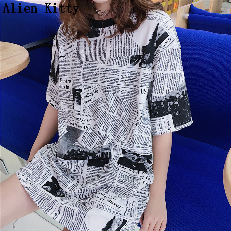 Alien Kitty Vintage Fresh Fashion 2019 Cute Print Newspaper Summer Casual Simple Cute Sweet Plus Size T-shirt Short Sleeve Loose