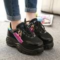 Tamaño 35-39 Mujeres Harajuku Zapatos Casuales 2015 Retro Trifle Plataforma Zapatos Estudiantes Láser Cabeza Grande Zapatos Casuales Súper 6 cm Altura