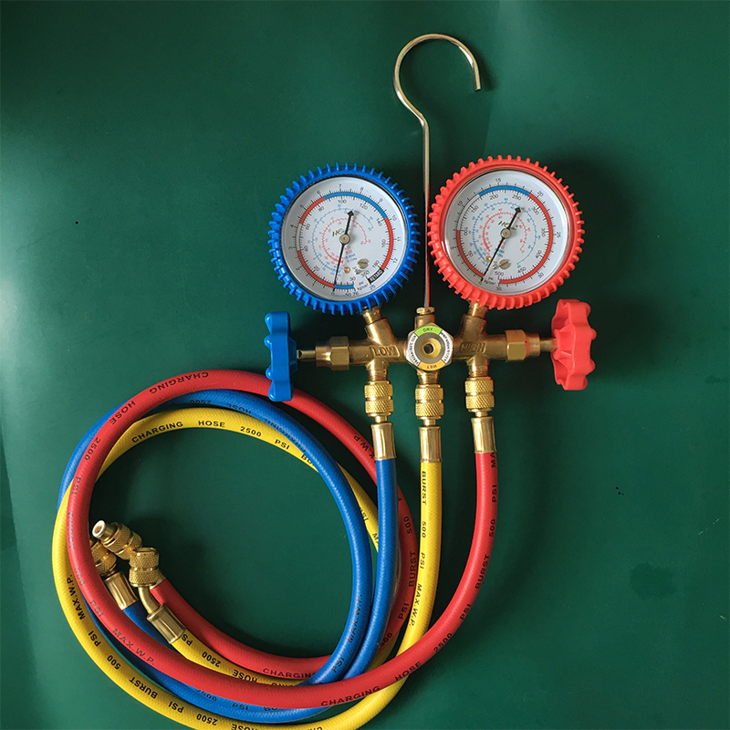 High and Low Pressure Car Air Refrigerant Pressure Gauges Refrigerant Manifold Gauges Tool Set Double Valve with Hose and Hook