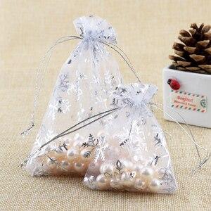 Image 2 - Takı ambalaj çanta aksesuarları boncuk torbalar noel şeker çanta İpli organze hediye çantası kar tanesi çantası 1000 adet/grup