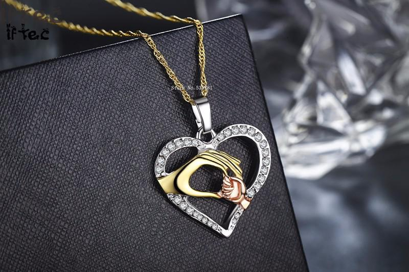 2019 Cubic Zirconia Mom Necklace Baby Heart Pendant Daughter Son Child Family Love Jewelry Friends Birthday Mother Days Gift Box 12