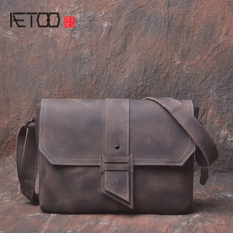AETOO New retro two-color frantic horse cross section first layer of leather men's bag to do the old rough type tide leisure Mes