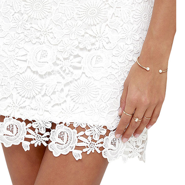 Halter Neck Sleeveless Lace Dress