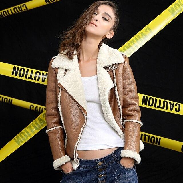 Новый 2016 осень женщины зимние куртки теплые шерсти ягнят куртка женская толстые короткие локомотив хлопка меха замши пальто UV3066