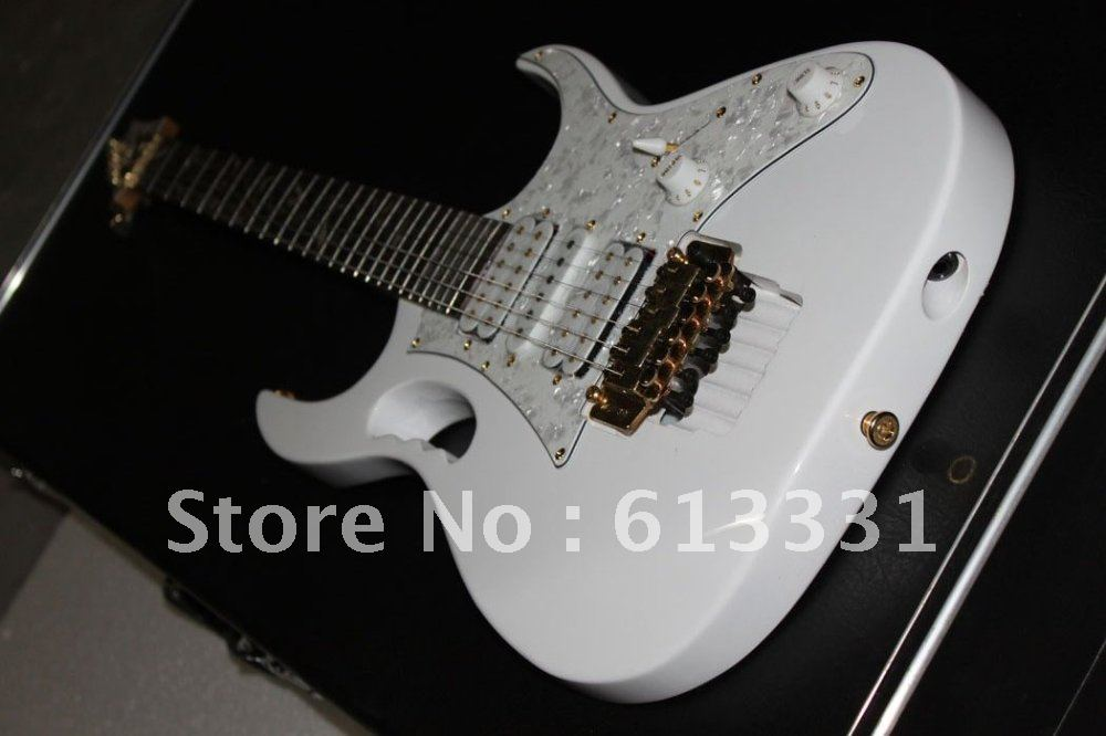 best musical instruments brand new white 7 v electric guitar in guitar from sports. Black Bedroom Furniture Sets. Home Design Ideas