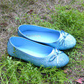 2017 Moda Brilhante Azul Princesa Elsa Shoes Deslizar sobre Apartamentos Sapatos da Cinderela Espumante Bow Tie Cos-play Sofia menina Sapatos de Glitter