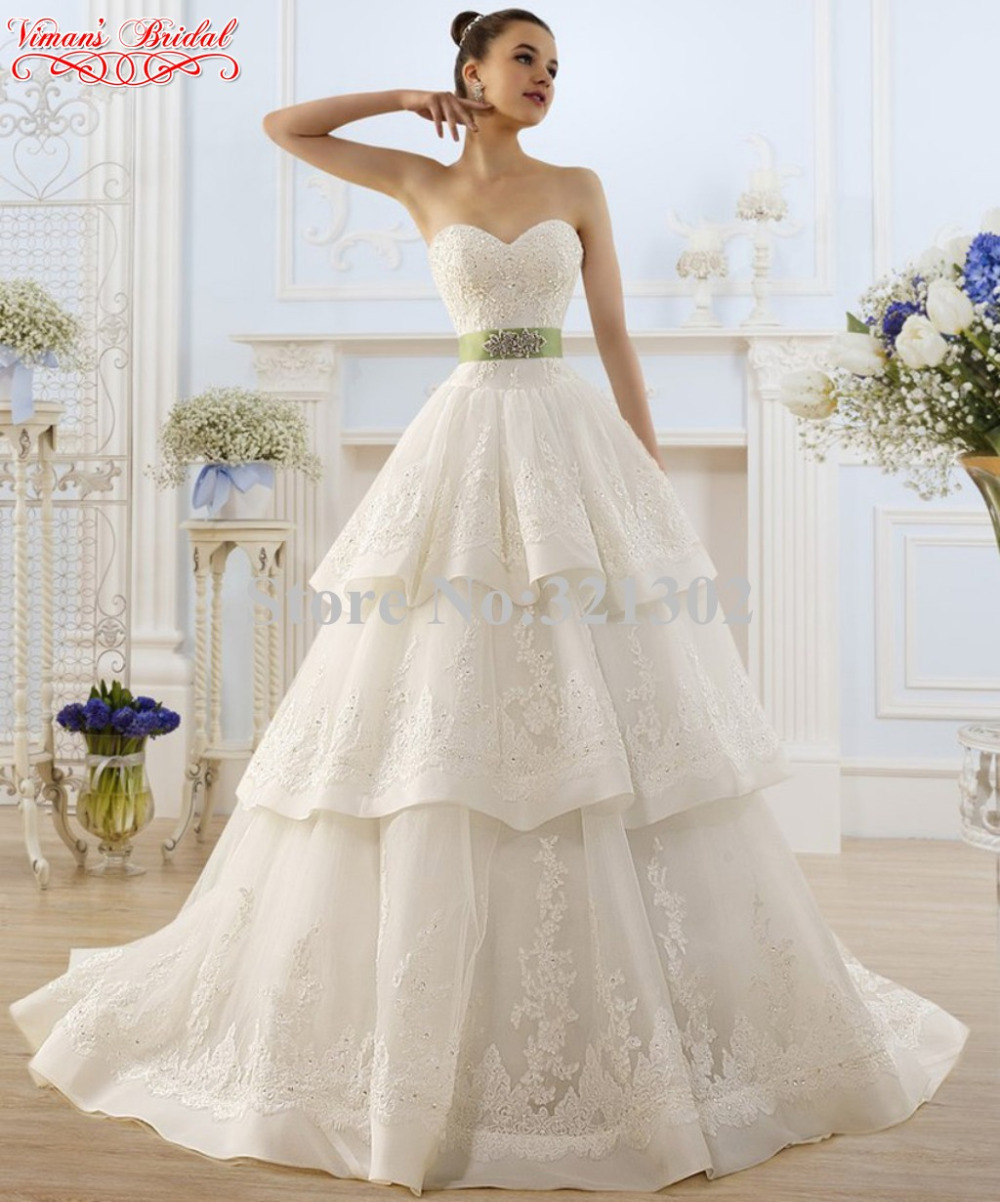 2015 New Arrival Romantic Bride Gown Appliques White Lace Tiered ...