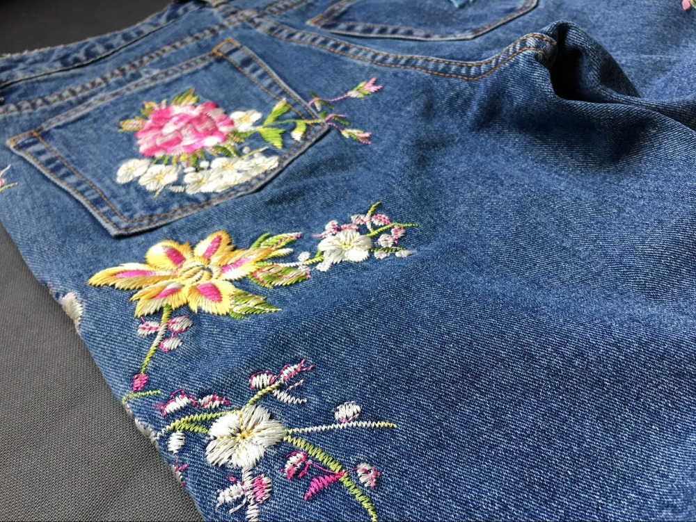 2017 Europe and the United States women's three-dimensional 3D heavy craft bird flowers before and after embroidery high waist Slim straight jeans large code system 46 yards (34)