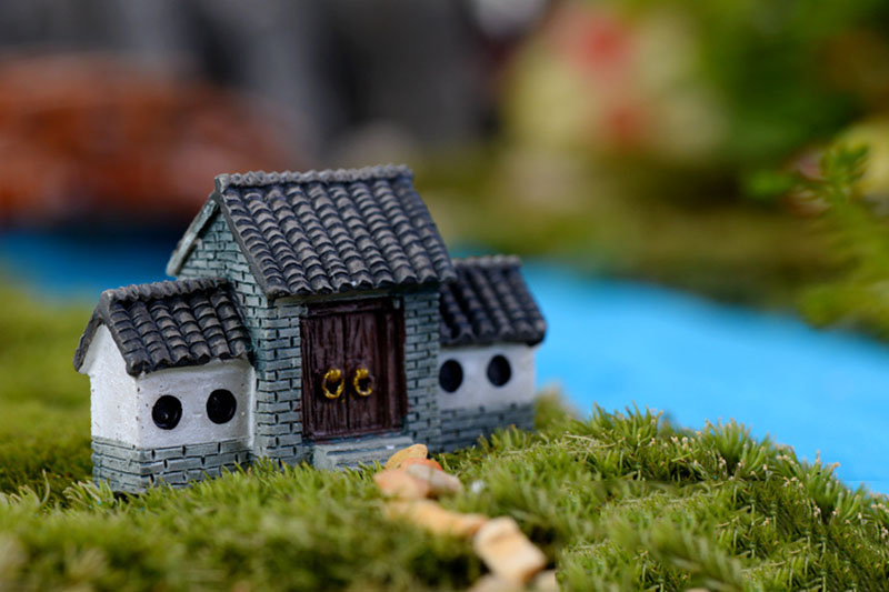 Mini Lighthouse Water Well Bridge Figurines