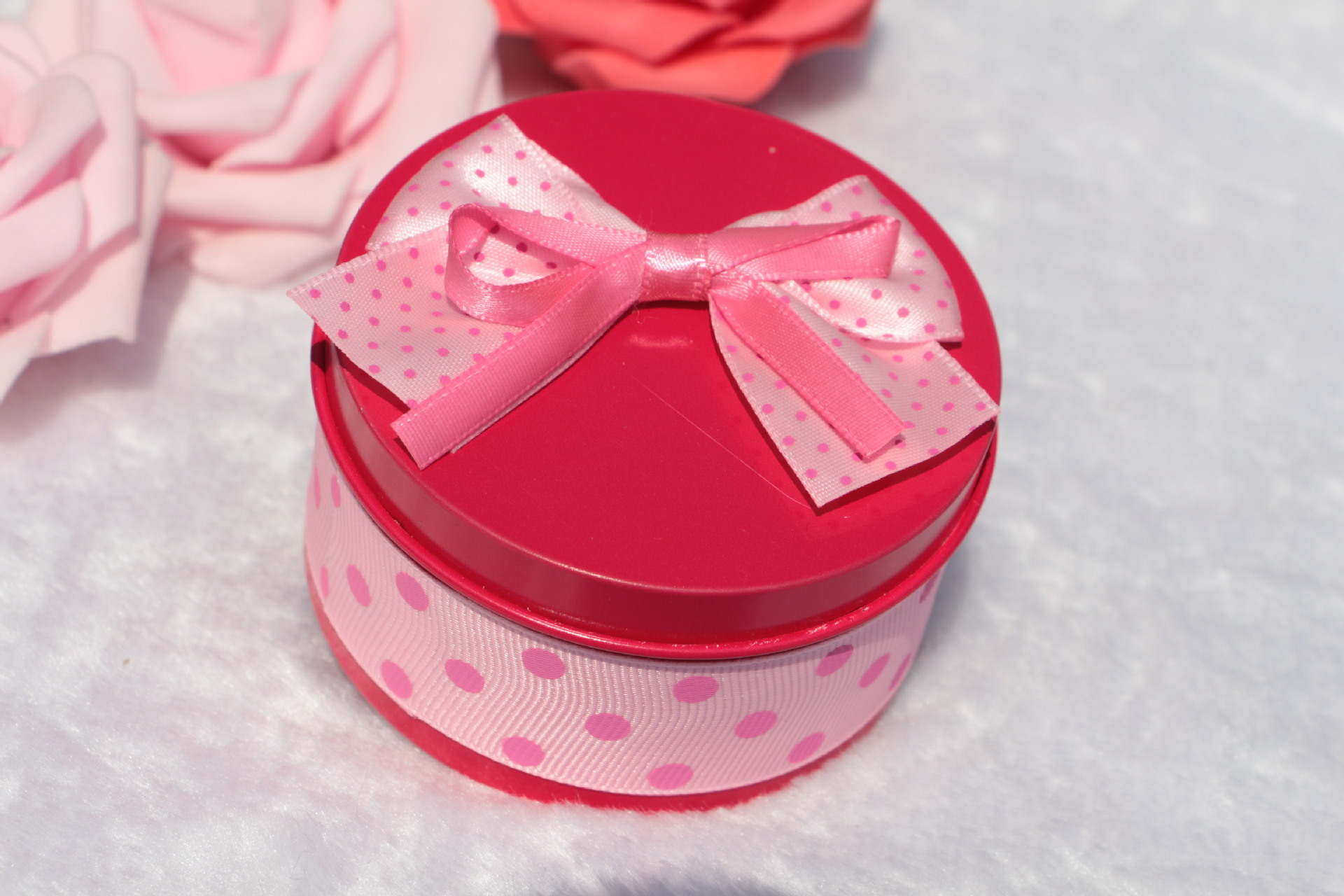 50pcs New Tinplate Round Shaped Candy Boxes Lovely Metal Wedding ...