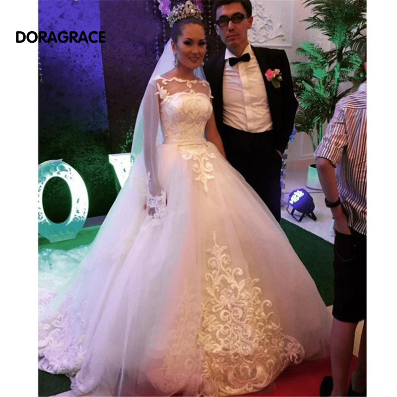 New Arrival Romantic Applique Tulle Long Sleeve Wedding Gowns Designer Dresses DG0116
