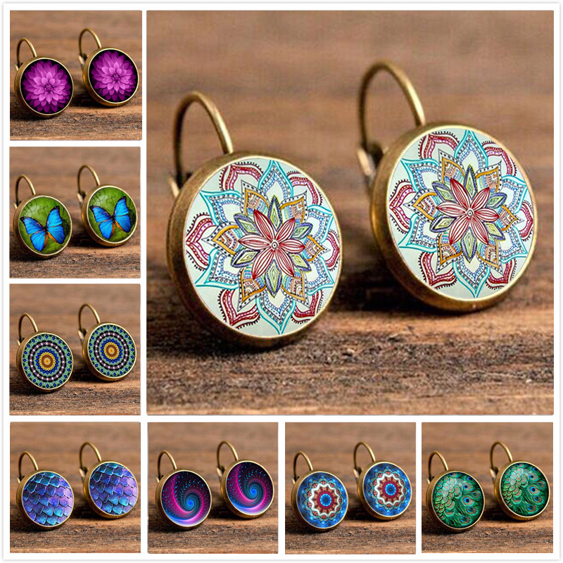 18  Styles Vintage Retro Earrings For Women Party Jewelry Fashion Patten Flower Stud Earrings Gold Color Brincos Christmas Gift