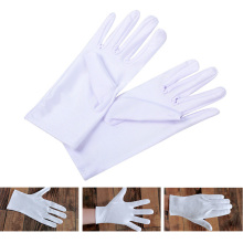 цена на 1 Pair Hot Selling Health Working Gloves White Color Cotton General Purpose Moisturising Lining Gloves  Wholesale
