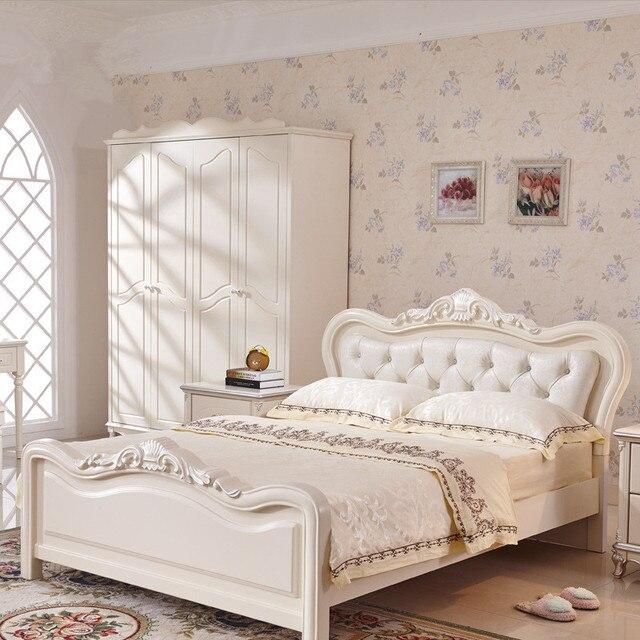 Francese letto di lusso avorio bianco flanella reale letto in legno ...