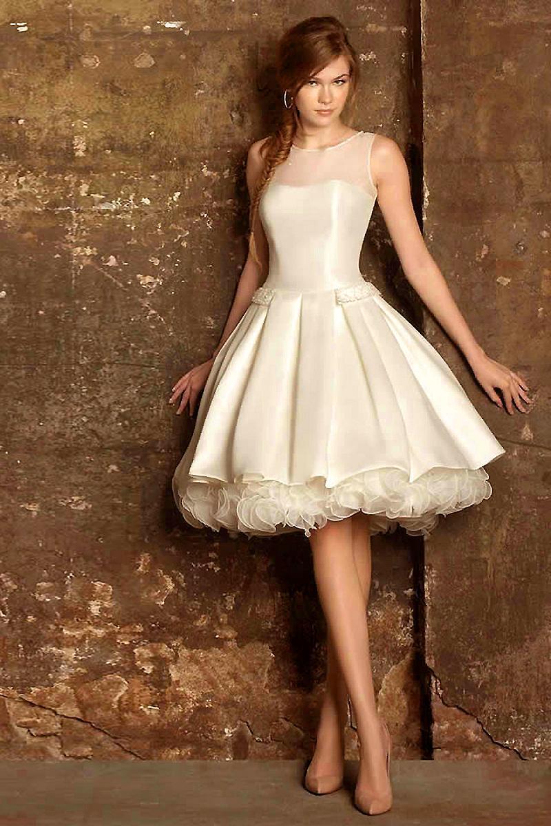 Robe de soir e courte bleu pour jeune fille for Feuille de piano robe de mariage
