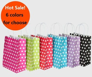 Image 1 - 40 Stks/partij Polka Dot Kraftpapier Gift Bag Met Handvatten 21*15*8Cm Hotsale Festival Gift Bags diy Multifunctionele Boodschappentassen