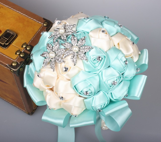 Stunning Wedding Flowers Tiffany Blue Crystal Bridesmaid Bridal Bouquets Artificial Rose Wedding Bouquet Buque De Noiva WP020