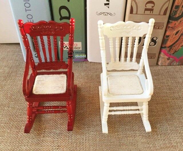 Sedie A Dondolo Bambini : 1:12 dollhouse miniatura della mobilia sedia a dondolo di legno 2