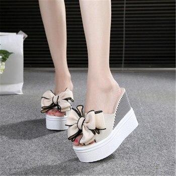 e1545597a Женские пляжные вьетнамки в богемном стиле с цветами; летние шлепанцы на  высоком каблуке; обувь на платформе; женская обувь на резиновой тан.