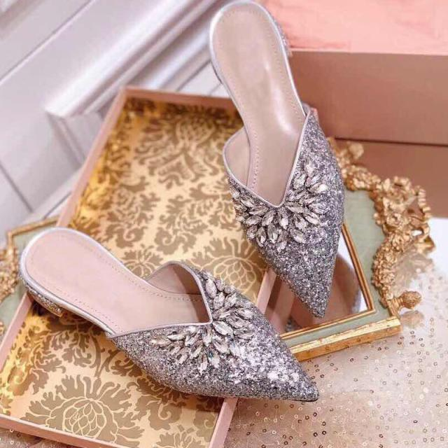 Pointed Toe Women Slippers Crystal Rhinestone Stud Luxury Ladies Party Wedding Slides Sequined Slipper Flats Shoes Pumps NewestPointed Toe Women Slippers Crystal Rhinestone Stud Luxury Ladies Party Wedding Slides Sequined Slipper Flats Shoes Pumps Newest
