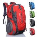 2017 новых мужчин большой емкости путешествия рюкзак женщины нейлон красный мужской водонепроницаемый из двери путешествия альпинизм мешок 40l YI219