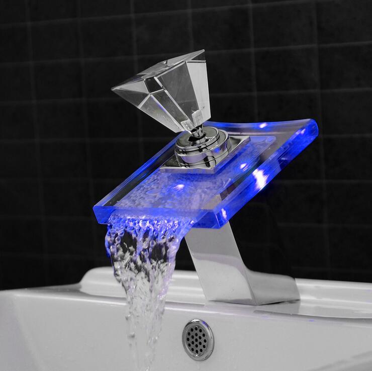 Один держатель Ванная комната раковина бассейна кран светодиодный, Медь умывальник смеситель вытащить, латунный кран стекло горячей и холо...