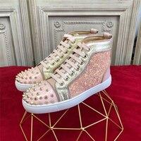 Новинка; модные розовые кроссовки; модные женские туфли на плоской подошве с заклепками и заклепками; повседневная обувь уличный стиль; мод