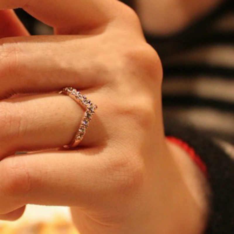 2017 Venta caliente nueva moda chic nuevo única mujer joyería en forma de v de cristal brillante anillo de entrega directa anillos para las mujeres