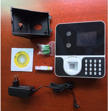 TCP/IP Entry Biometric Attendance Machine With Long Time Recording Camera