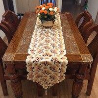 ガーデンスタイル高級白い刺繍レーストリムディナーテーブルランナー用ホームデコレーション(# LR171003)