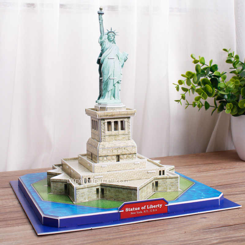 Fashion Model Statue of Liberty United Stated Ornaments Creative Sculpture Murals DIY Furnishing Gifts Murals Decoration Crafts